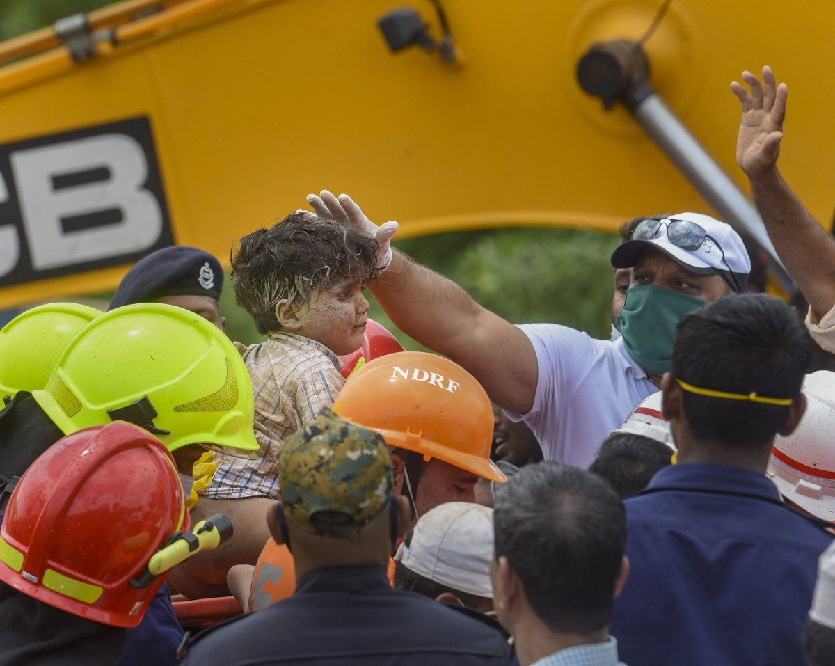 Local authorities, NDRF at building collapse site in Raigad providing all possible help: PM
