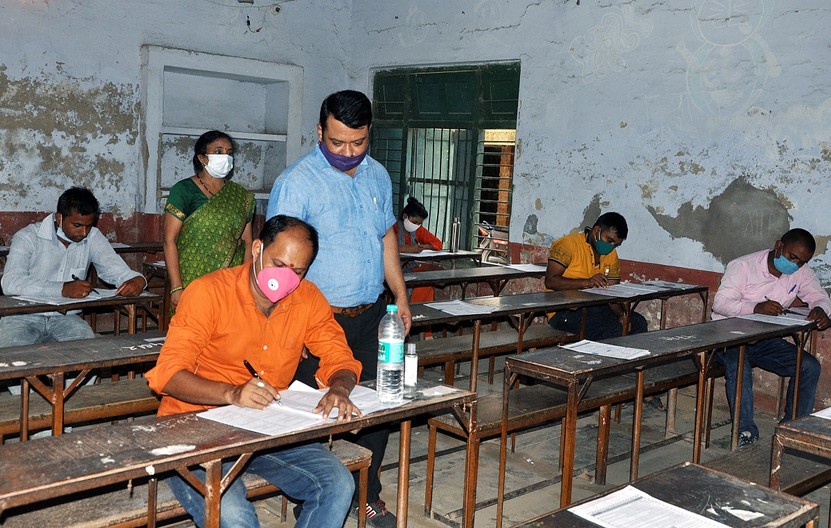 Coronavirus in Bhopal: Students gear up to give exams in masks and face cover amid pandemic