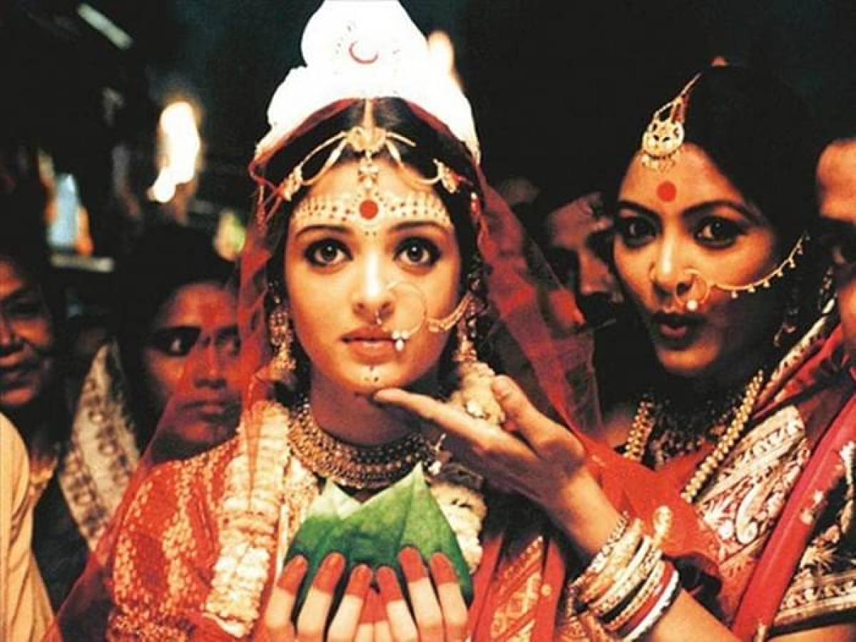 Aishwarya Rai Bachchan in a still from the movie Choker Bali, which was based on a story by Rabindranath Tagore
