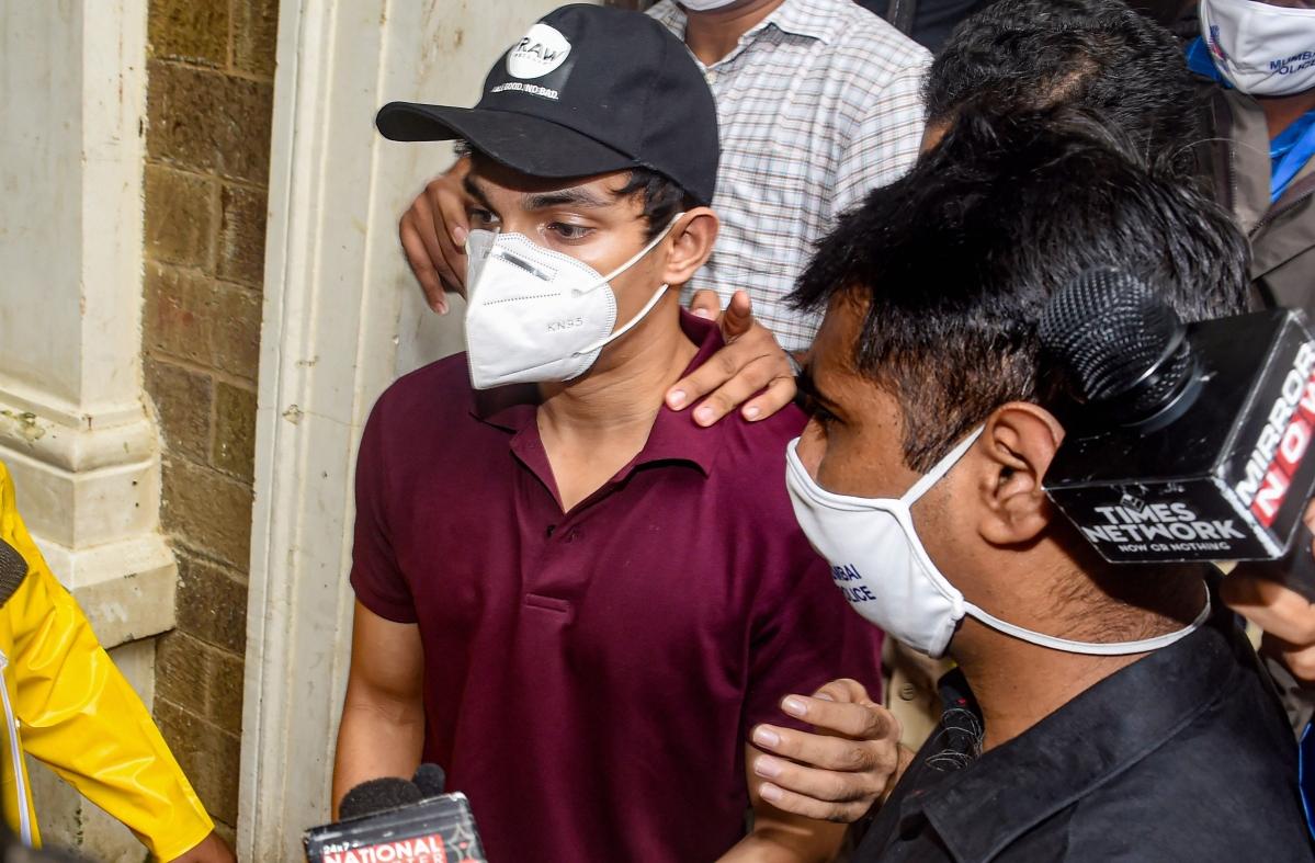 Sushant Singh Rajput death case: Mumbai Police on Rhea Chakraborty's side, alleges Bihar govt