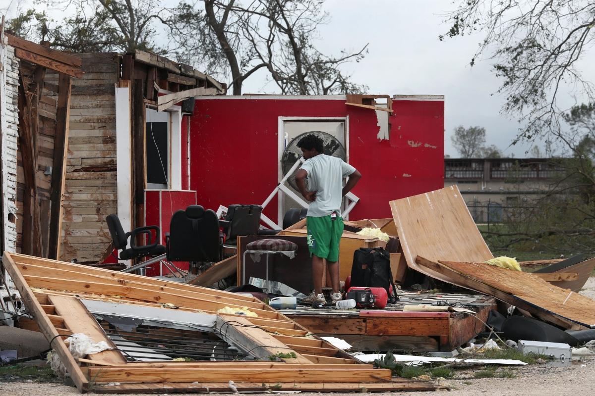 Hurricane Laura kills six