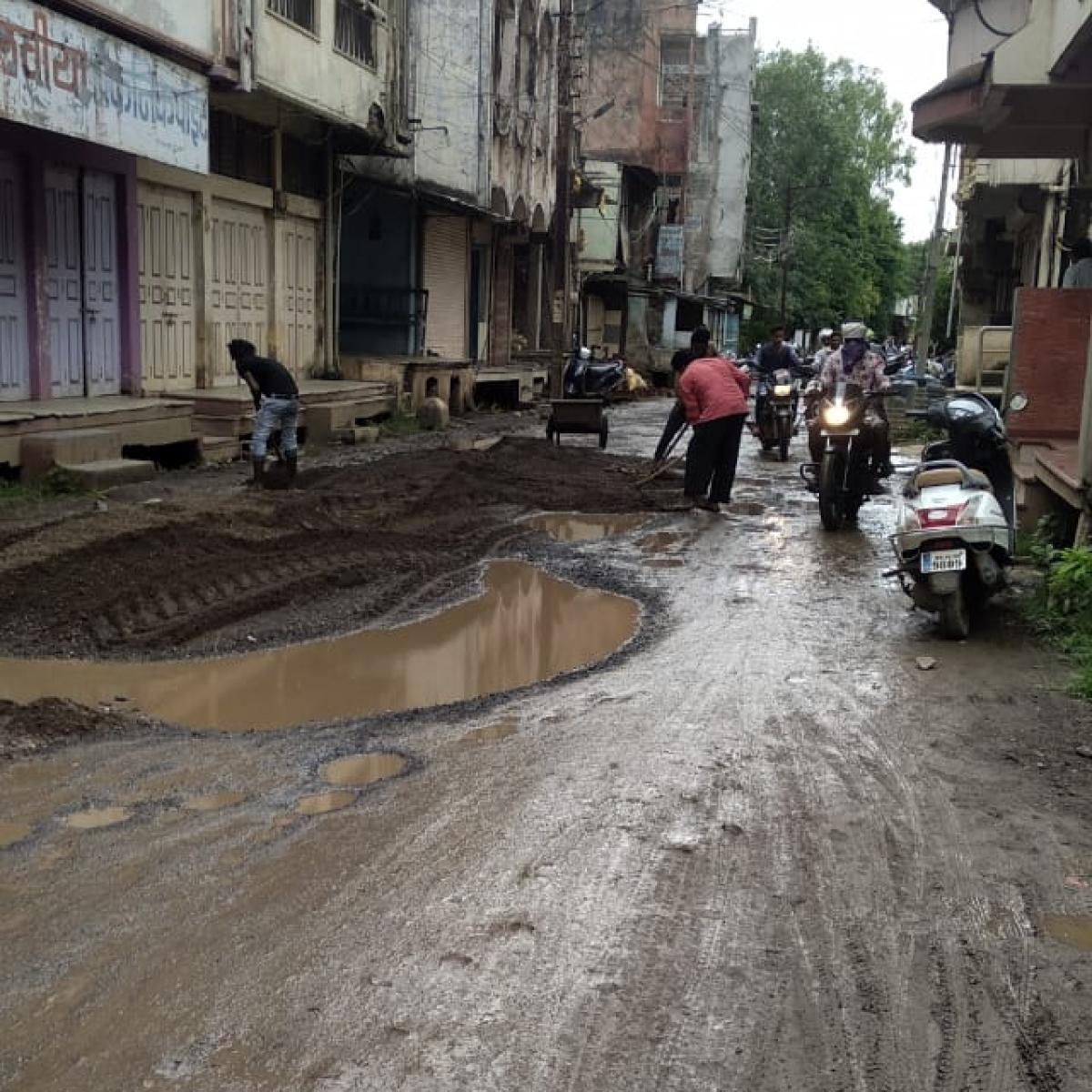 Free Press Impact: At last, Khetia municipality wakes up to refurbishment of MG Road