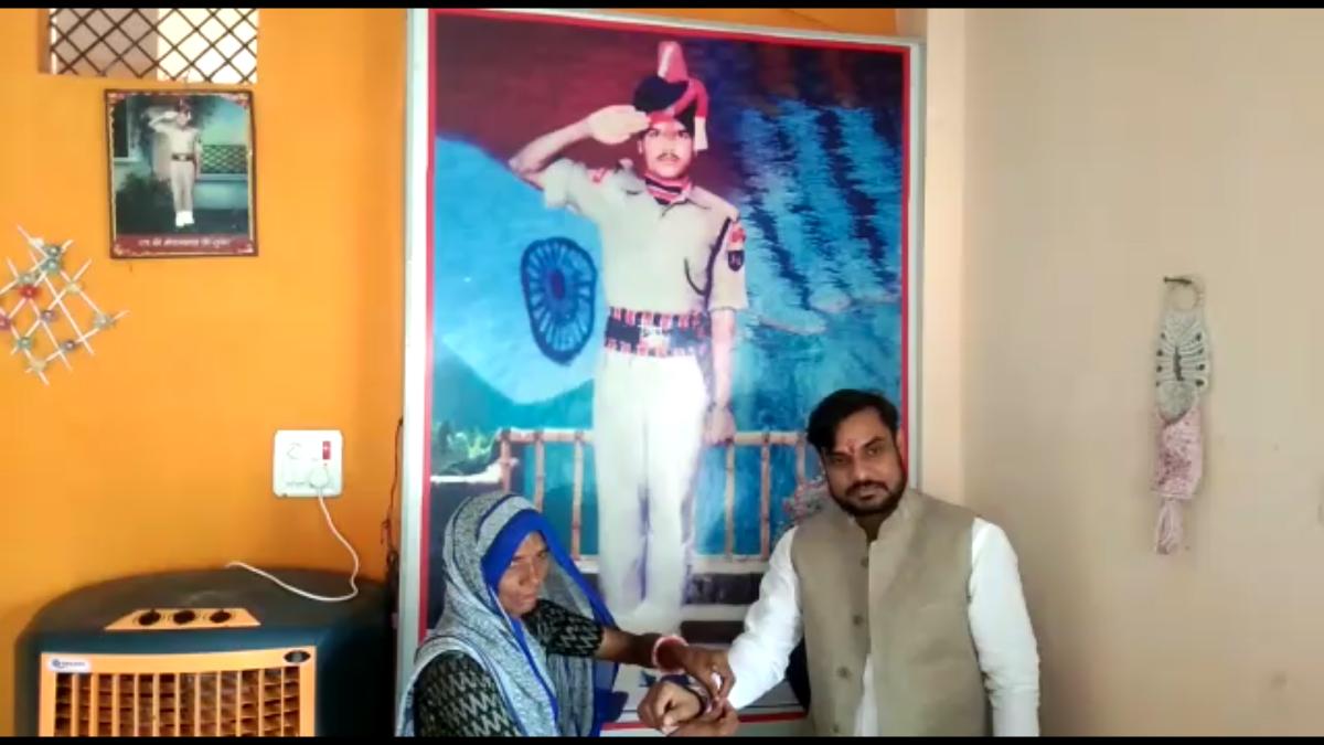 Indore: Jawan's widow ties rakhis on 'rakhwala bhais'