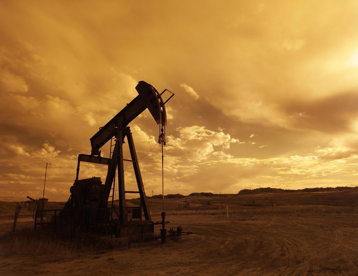 Oil prices rise as Iraq pledges to cut output amid COVID-19