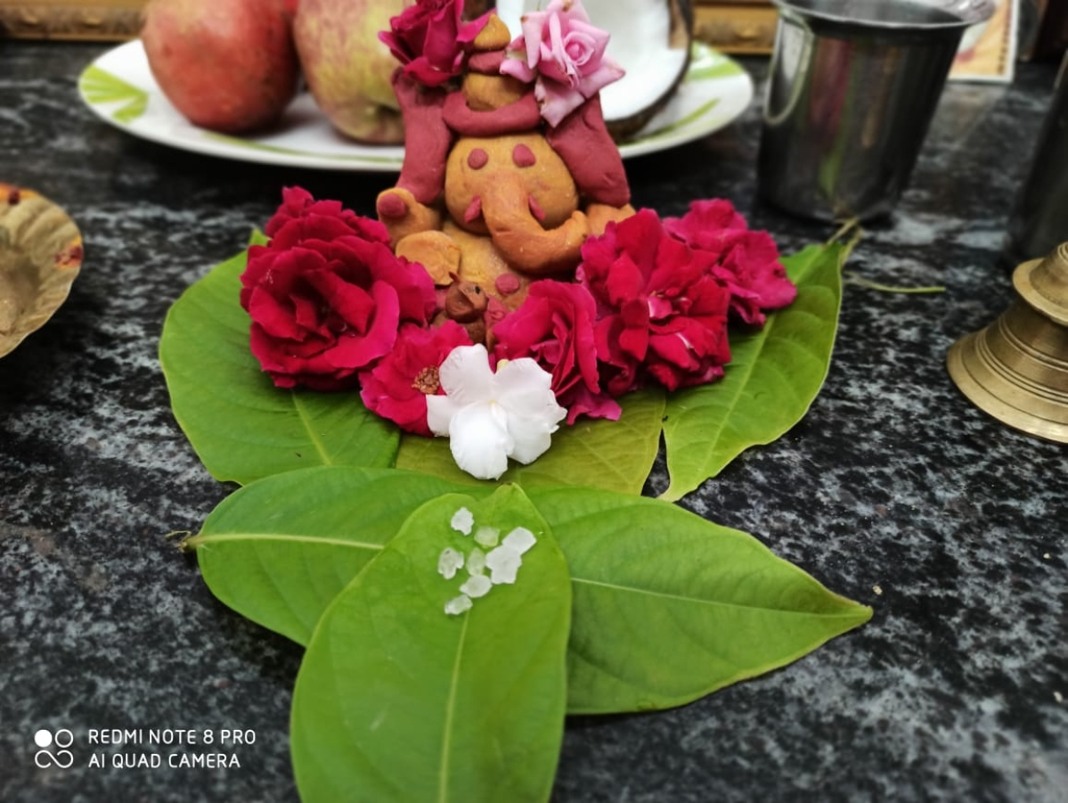 Turmeric tainted Ganesha prepared by 12-year-old Periyakaruppan
