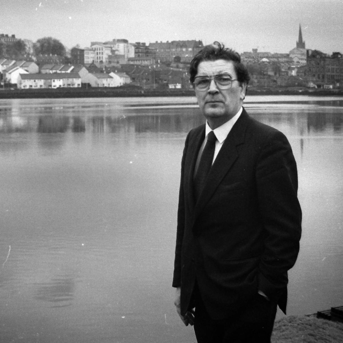 John Hume, who worked to end  Northern Ireland violence, dies at 83