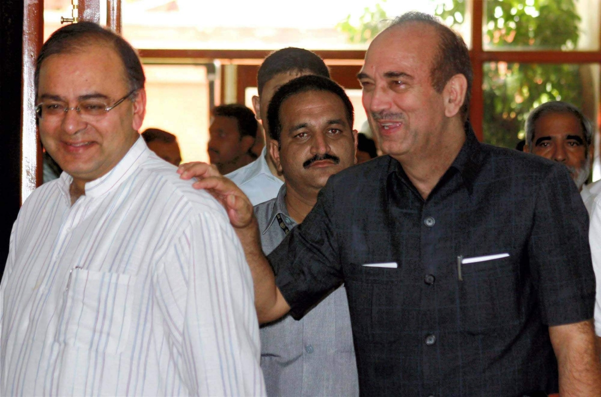 Former Chief Minister of Jammu and Kashmir Ghulam Nabi Azad and BJP general secretary, Arun Jaitley during all party delegation to discuss the unrelenting violence in Jammu.