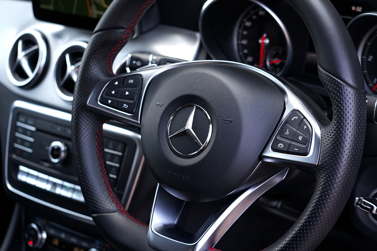 Luxury car Mercedes Benz to turn further pricey from Jan 15