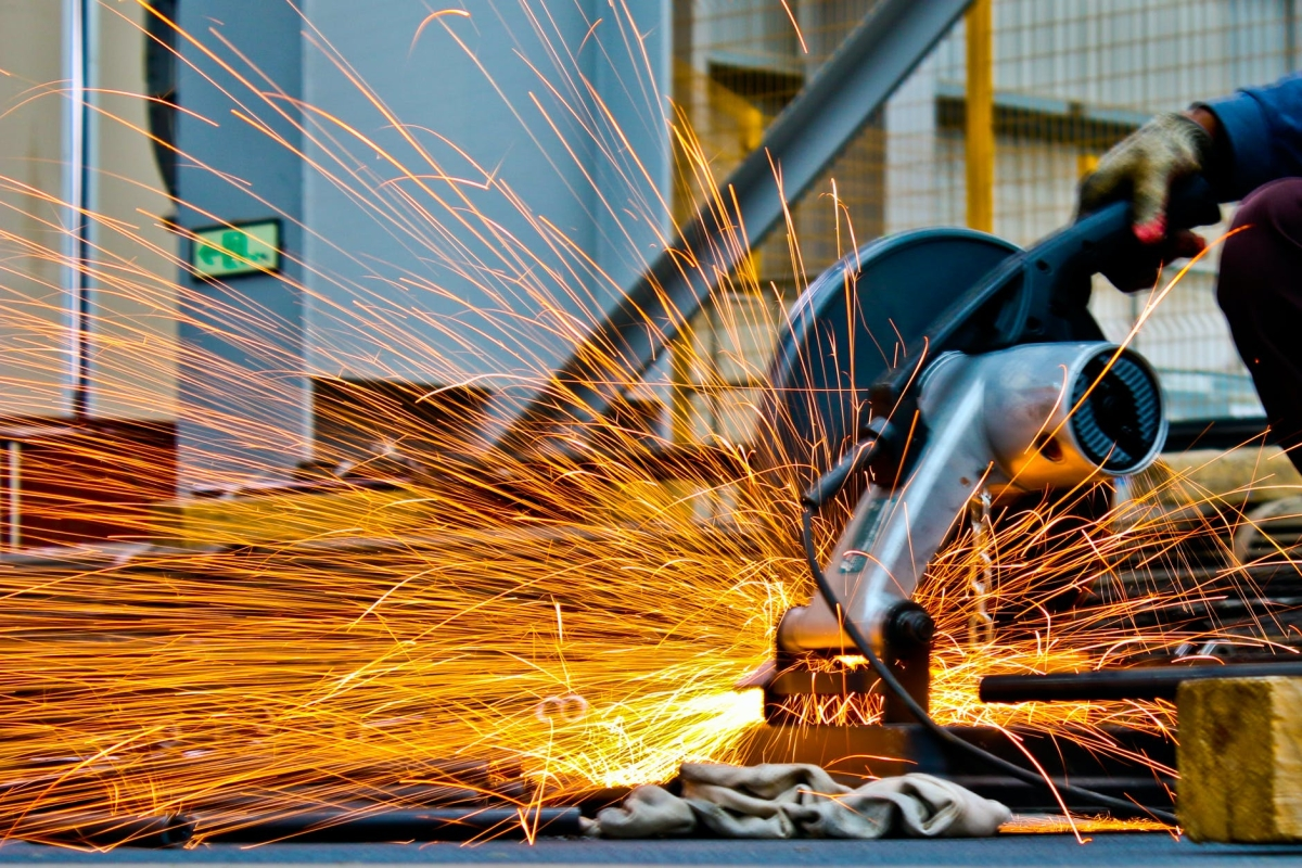 Eight core industries' output contracts 2.6 per cent in Nov