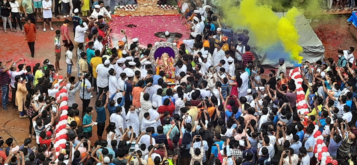 In pictures: Devotees bid adieu to Lord Ganesha at Lalbaugh's Ganesh Galli