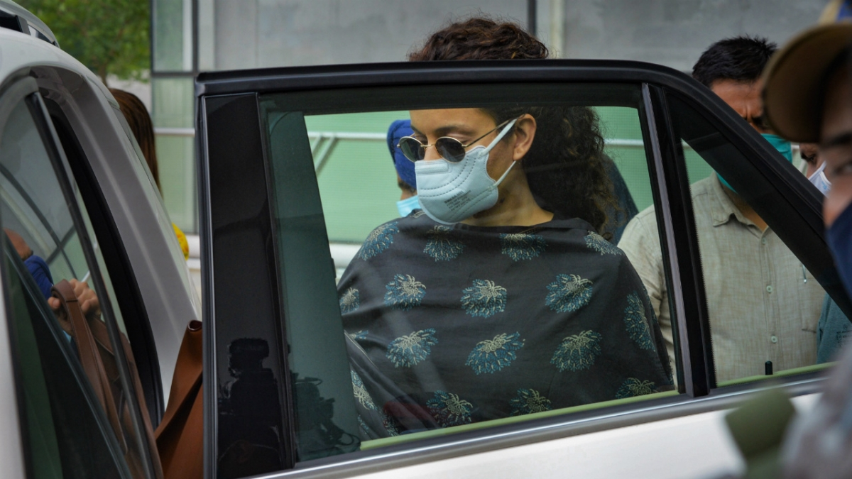 Kangana committed `grave violation of plan' while merging her flats: court