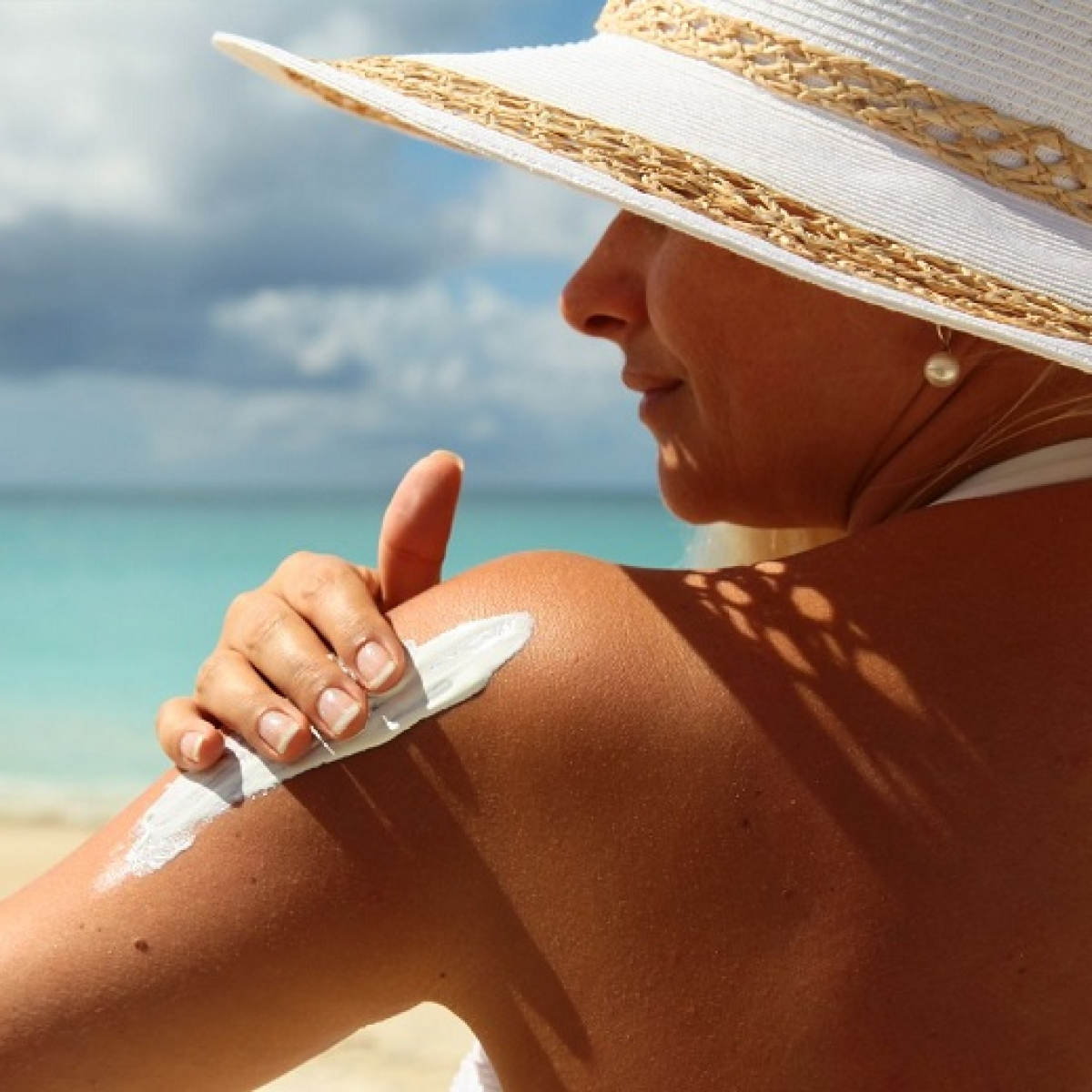 Ingredients in sunscreen can damage freshwater ecosystems