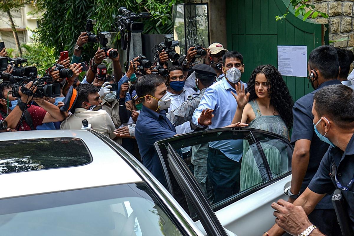 Mumbai Police beefs up security outside Kangana Ranaut's Pali Hill residence