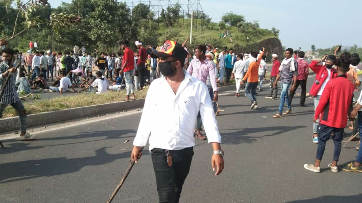 Unemployed youths run amok in Rajasthan, many cops hurt