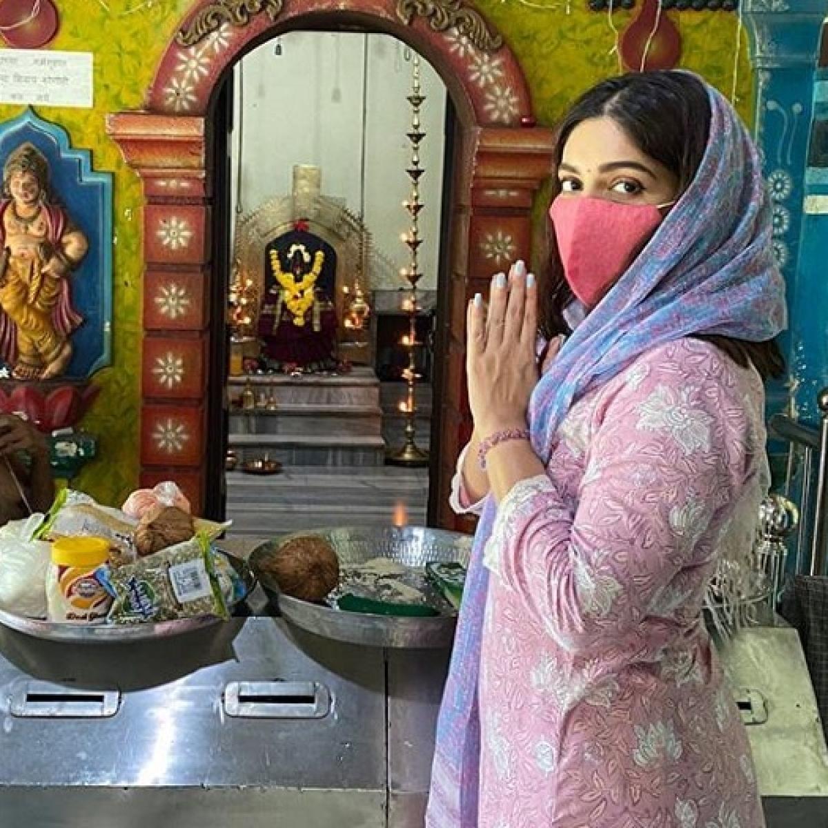 Bhumi Pednekar visits temples in her village in Goa