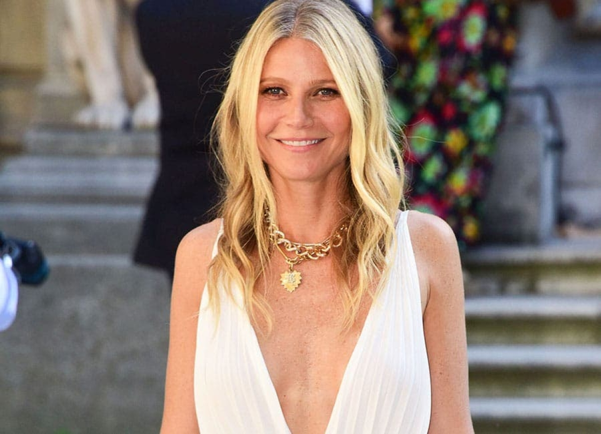Gwyneth Paltrow poses naked to mark her 48th birthday