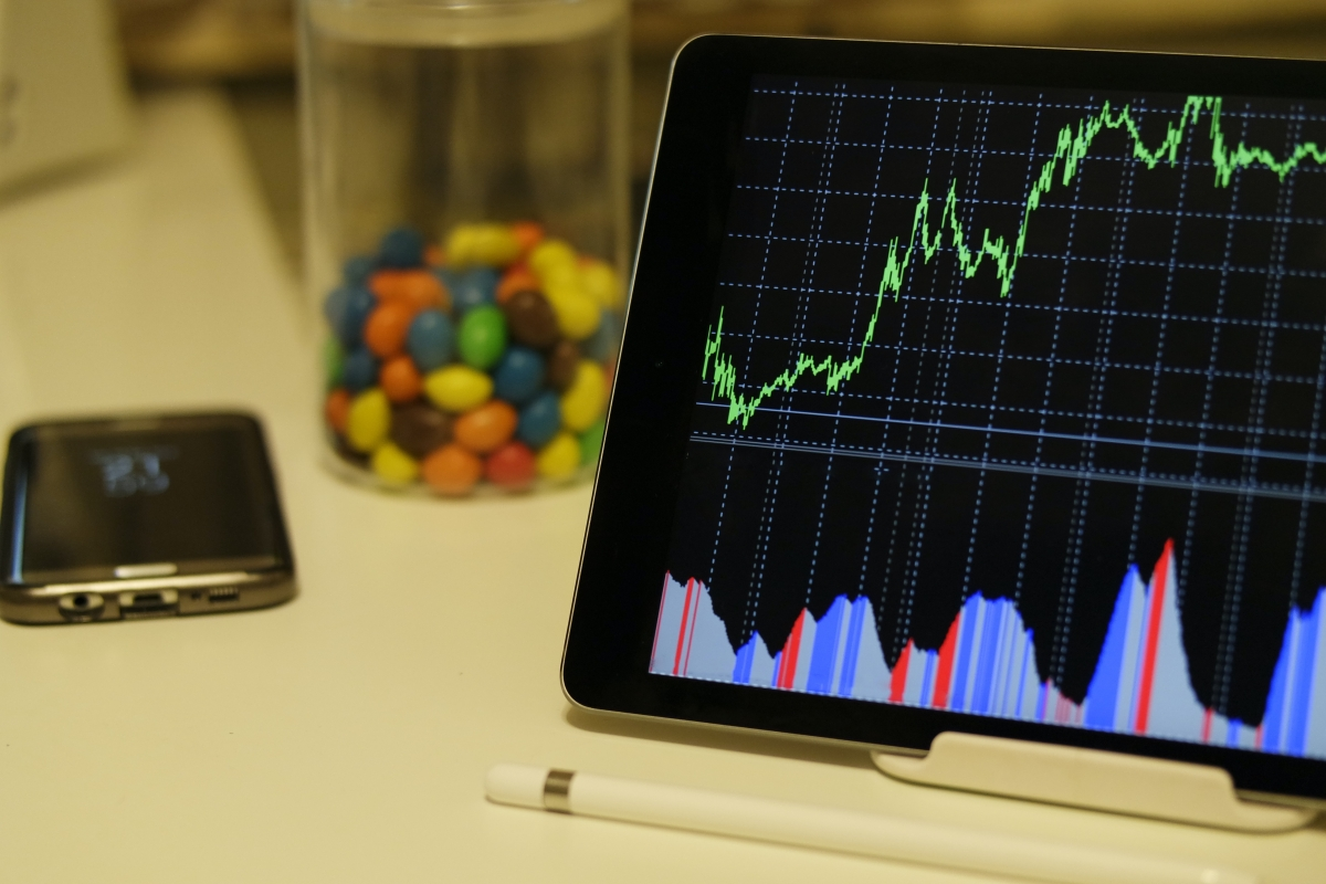 An investor's saga: When Sharekhan failed to 'share' it on time