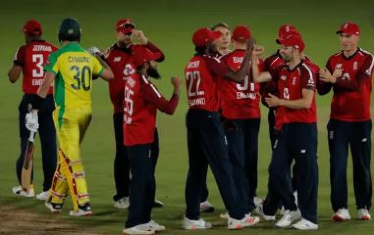 England players celebrate after the victory