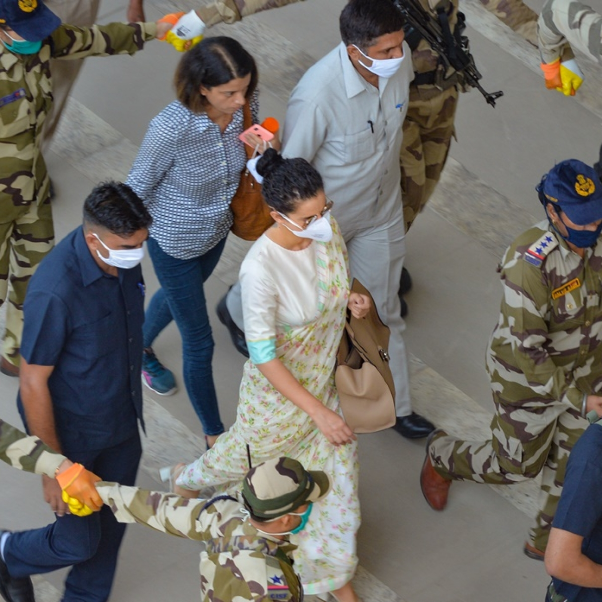 Kangana Plane Chaos: DGCA to suspend flight for 2 weeks if anyone found taking pictures aboard