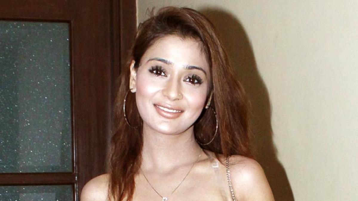 TV star Sara Khan
