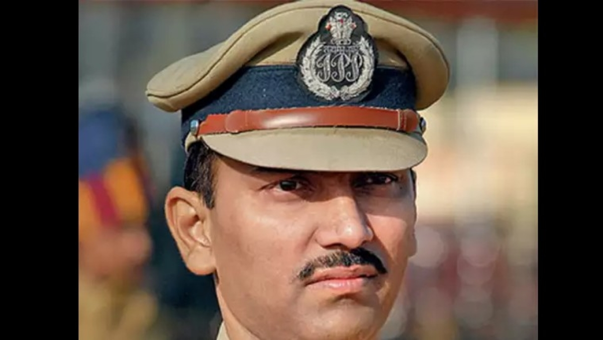 Amitabh Gupta, IPS officer who issued special pass for Wadhwan brothers, appointed Pune's new police commissioner