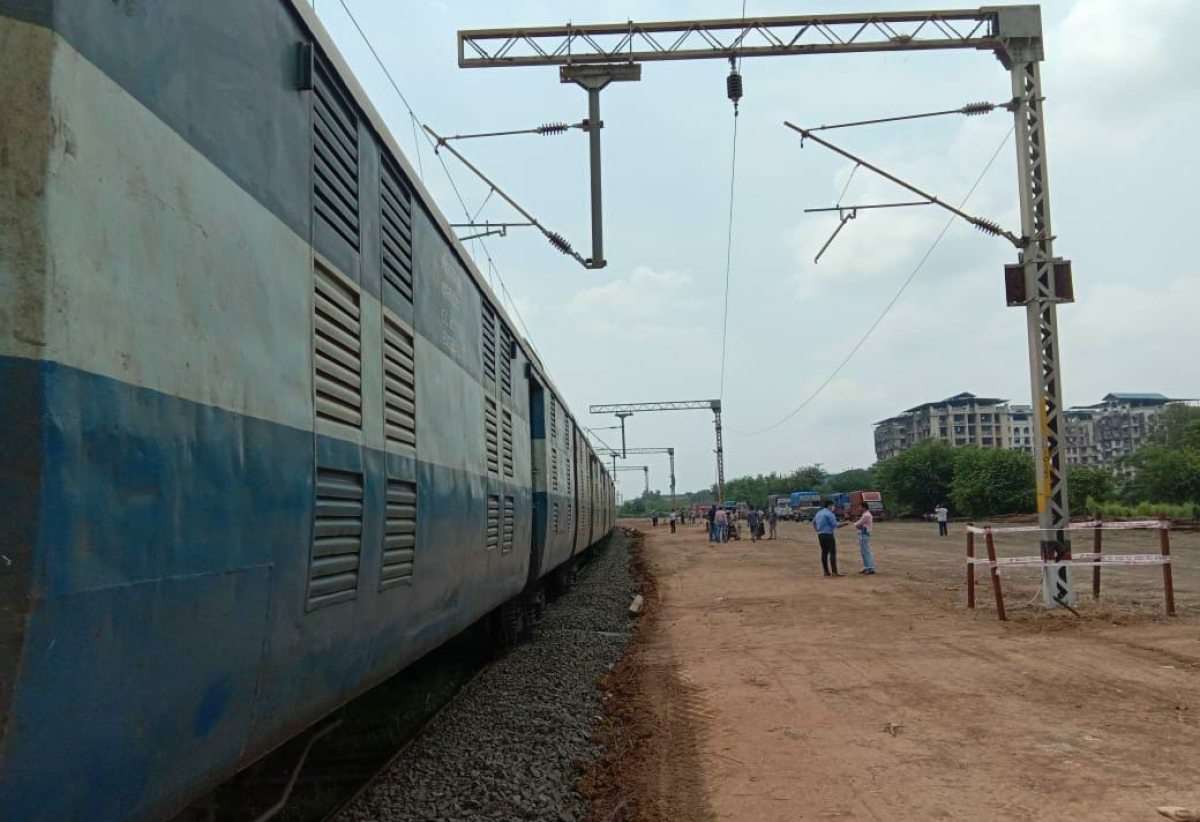 Thane: Central Railway starts parcel train services to transport goods from Bhiwandi