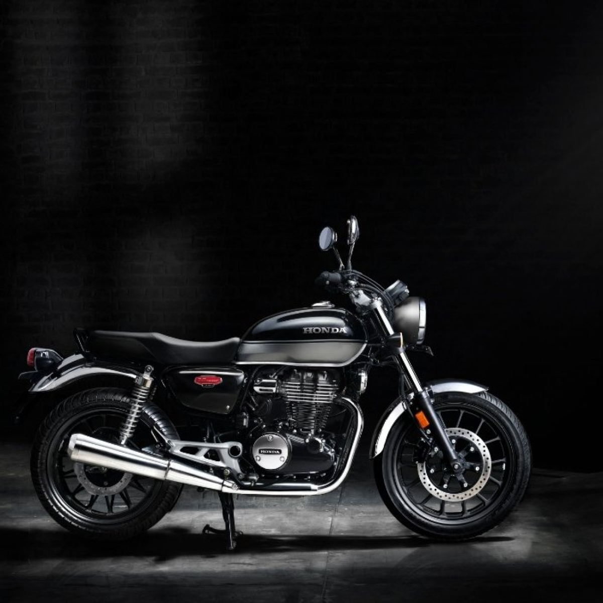 Honda to enter mid-size 350-500 cc motorcycle segment, unviels H'ness-CB350