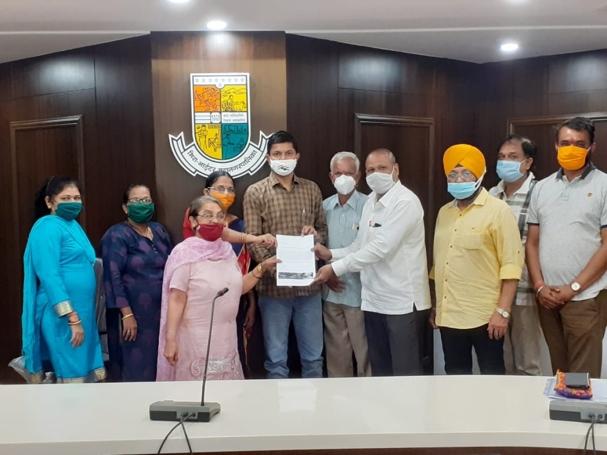 Residents recently met deputy mayor- Hasmukh Gehlot and apprised him about the situation which according to them was going from bad-to-worse.