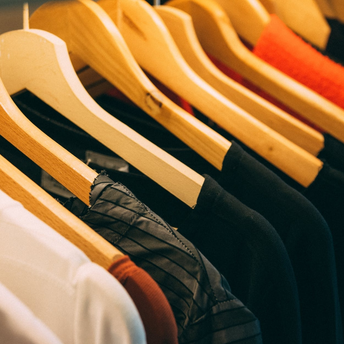 Bhopal: When it comes to apparels, people pick brick & mortar stores to online