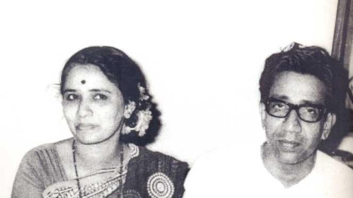 Meenatai Thackeray with Balasaheb Thackeray