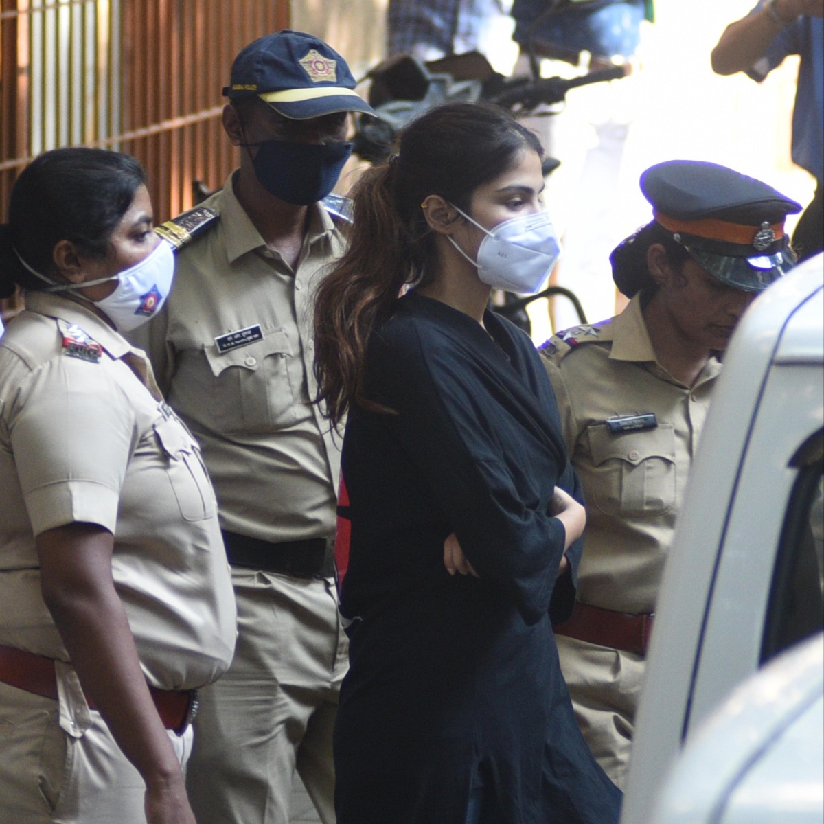 Rhea Chakraborty, Showik file for bail; actor says she fears for her life in jail