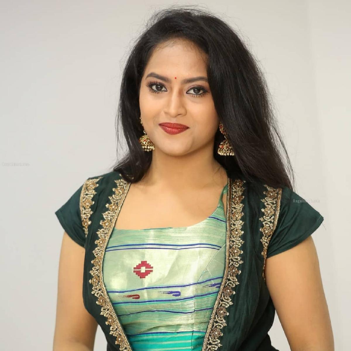 Telugu TV actress Sravani Kondapalli, 26, commits suicide