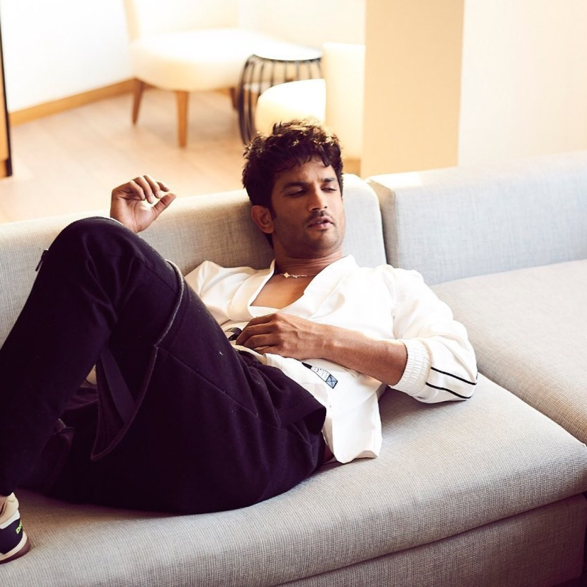 New chats of Sushant's sister Priyanka arranging anti-depressants for the actor shed light on mental health angle