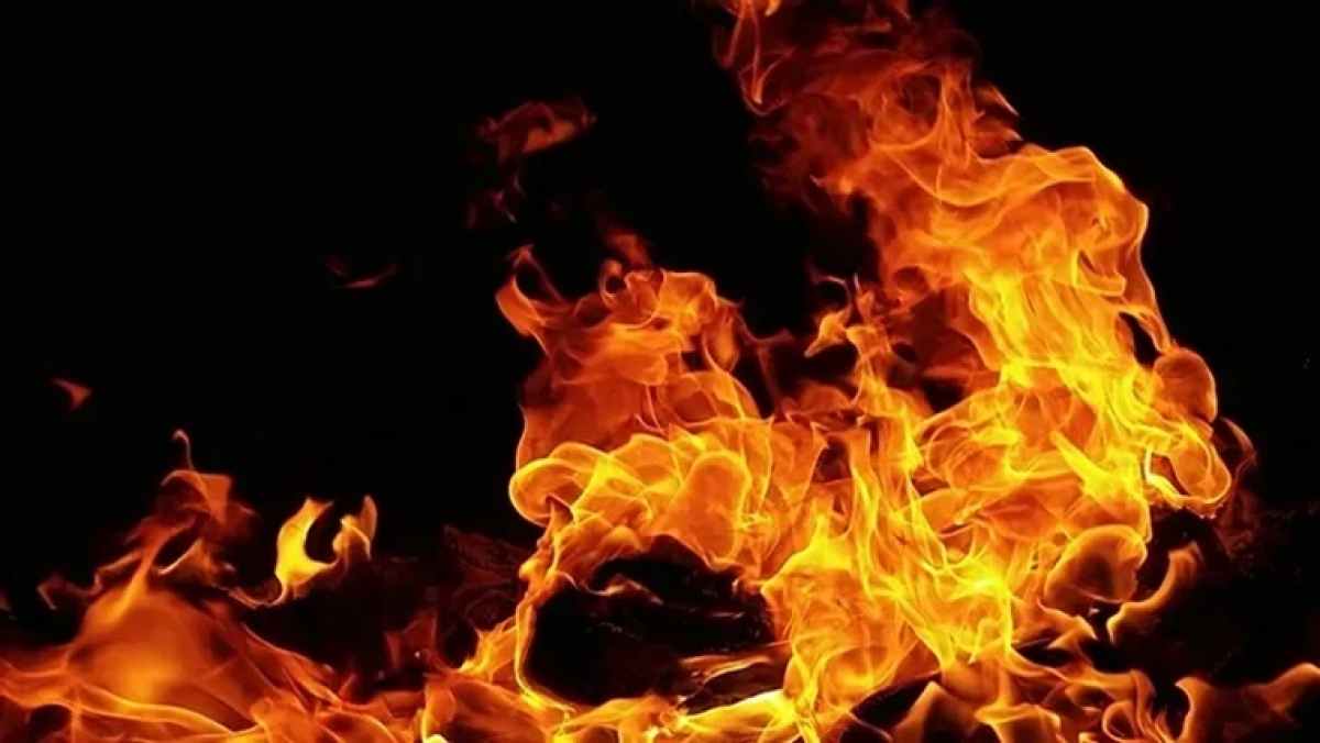 Mumbai: Fire breaks out at a building in Andheri, no casualties reported