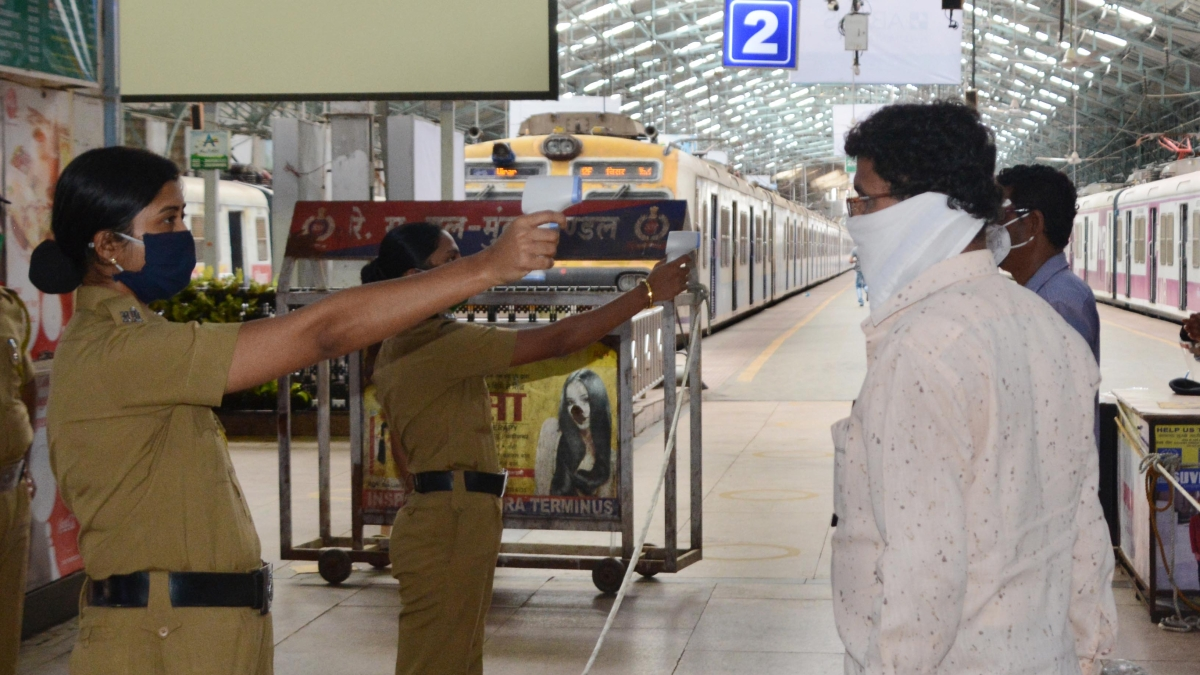 Fill in 102 driver posts, but not with constables, MAT tells Maharashtra Police