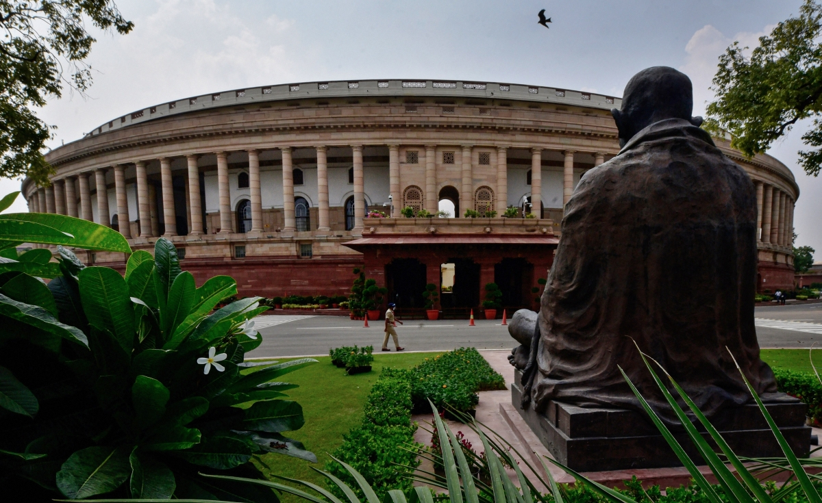 No discordant murmurs in RS over border row