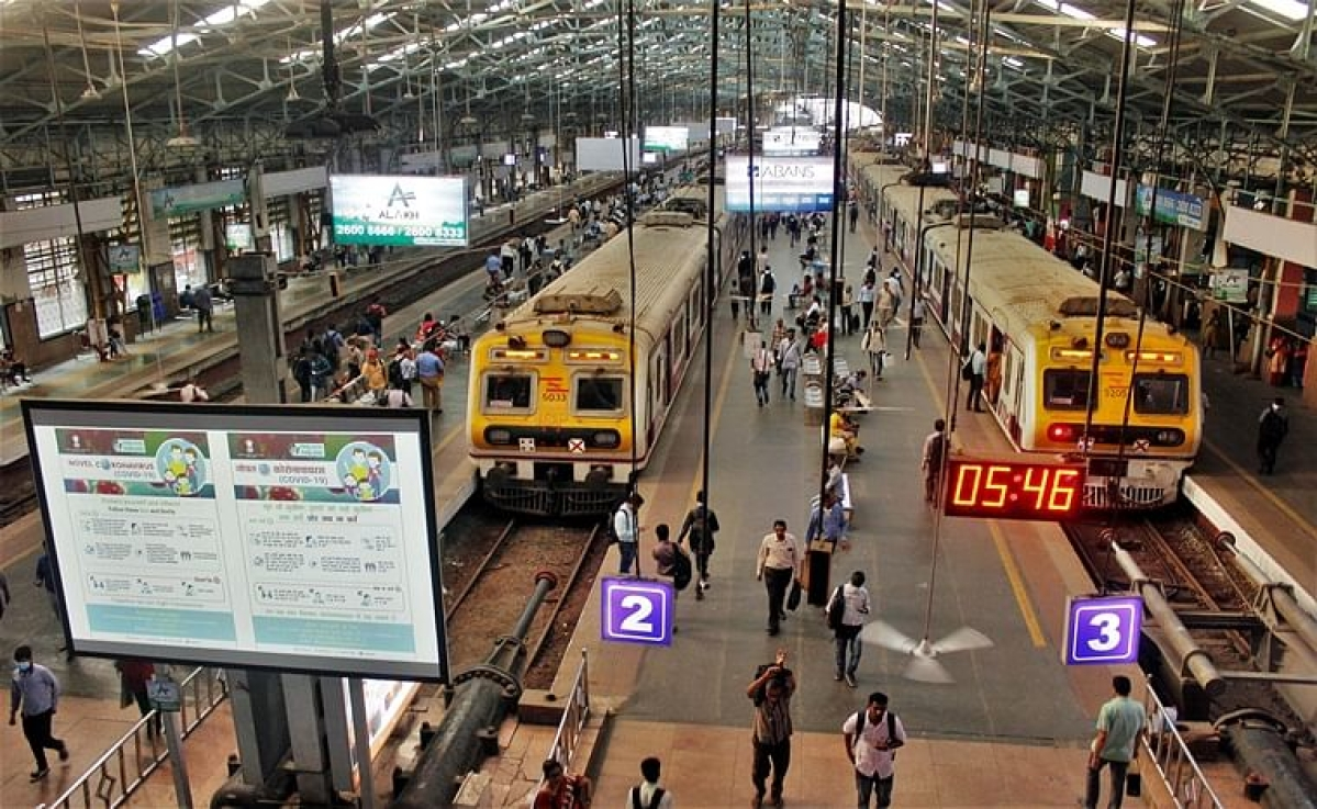 Let lawyers travel in local trains on experimental basis: Bombay HC