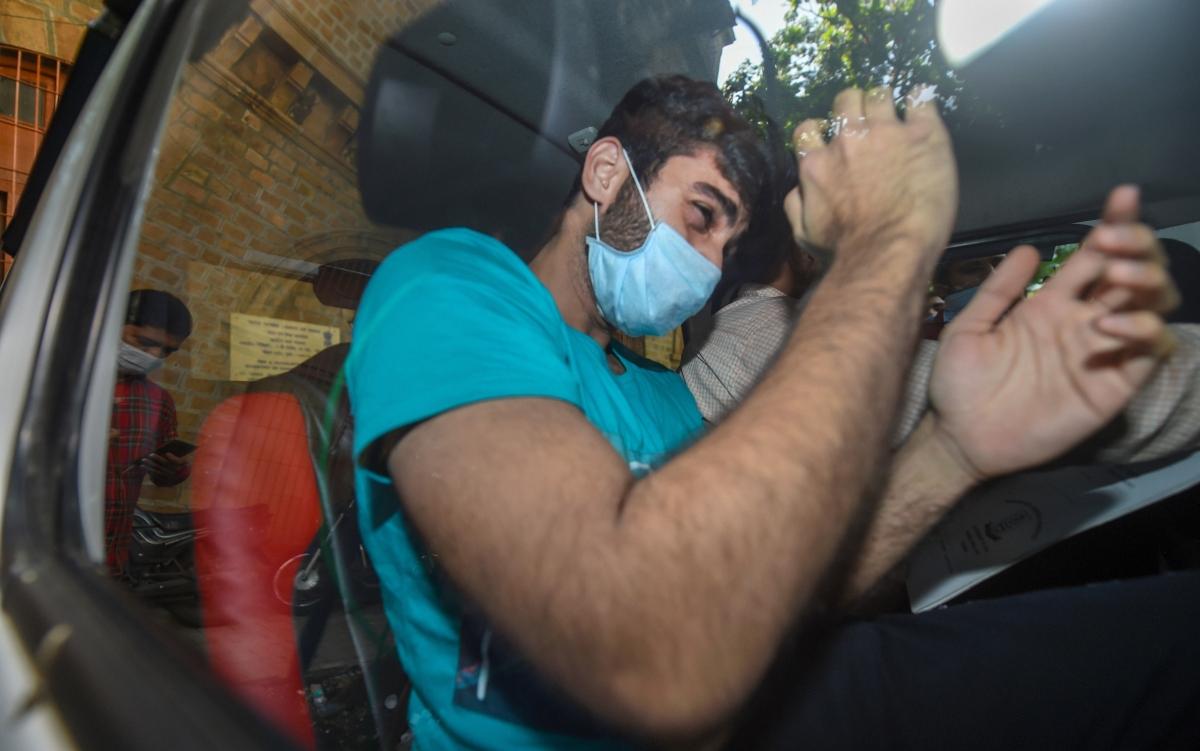 NCB to court: Basit got drugs on Showik's instructions