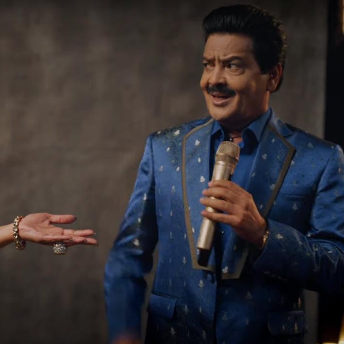 Udit Narayan joins Twitter to share his CRED 'auditions' with Alka Yagnik, only to be 'rejected'