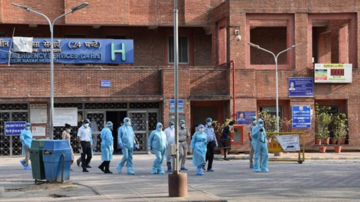 Delhi: Doctors demand delisting medical colleges as dedicated COVID hospitals