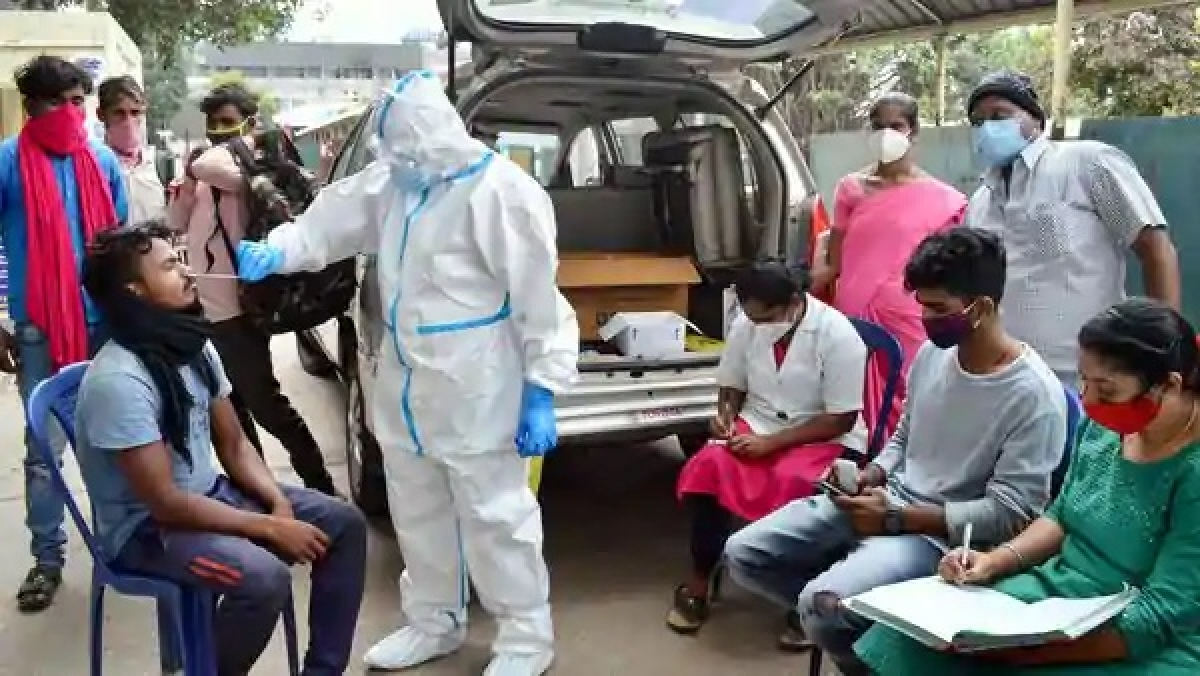 COVID-19: Karnataka registers less than 40,000 cases for second day in a row, 596 deaths reported