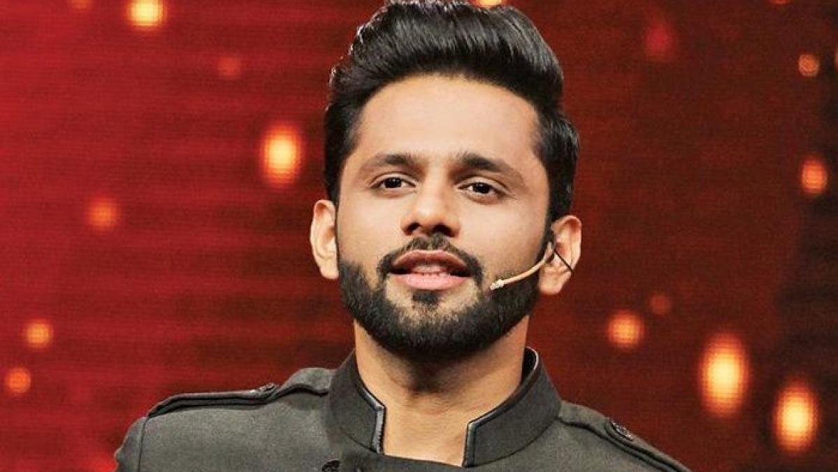 Rahul Vaidya's Facebook hacked; singer asks fans to ignore random videos
