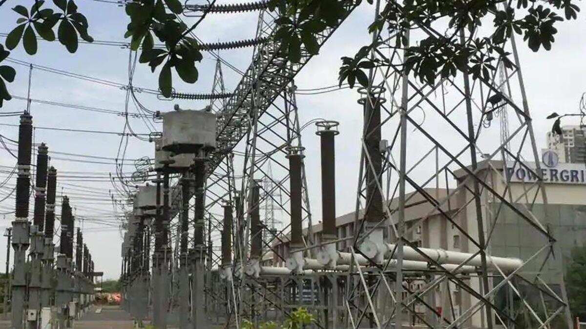 Chief Minister Uddhav Thackeray wants completion of 400kv Vikhroli transmission project by 2023
