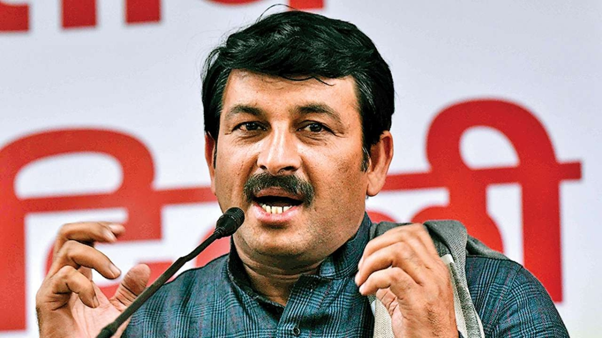 BJP MP Manoj Tiwari's helicopter makes emergency landing in Patna after losing communications