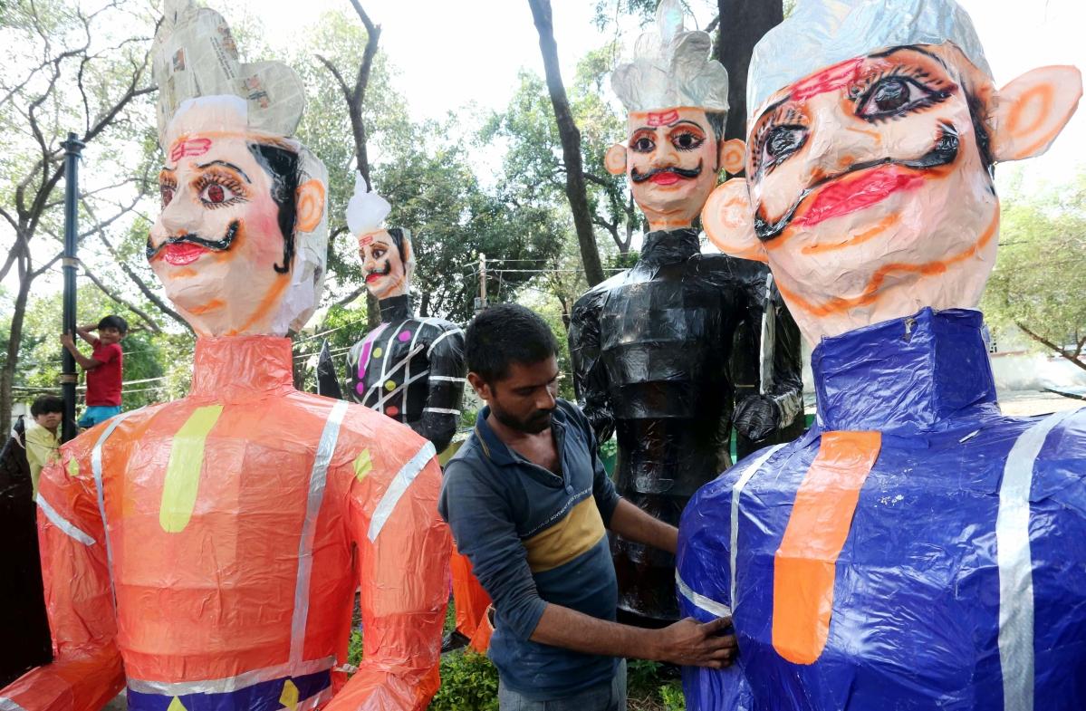 Bhopal: 'Coronasur' savours delight of Durga Puja