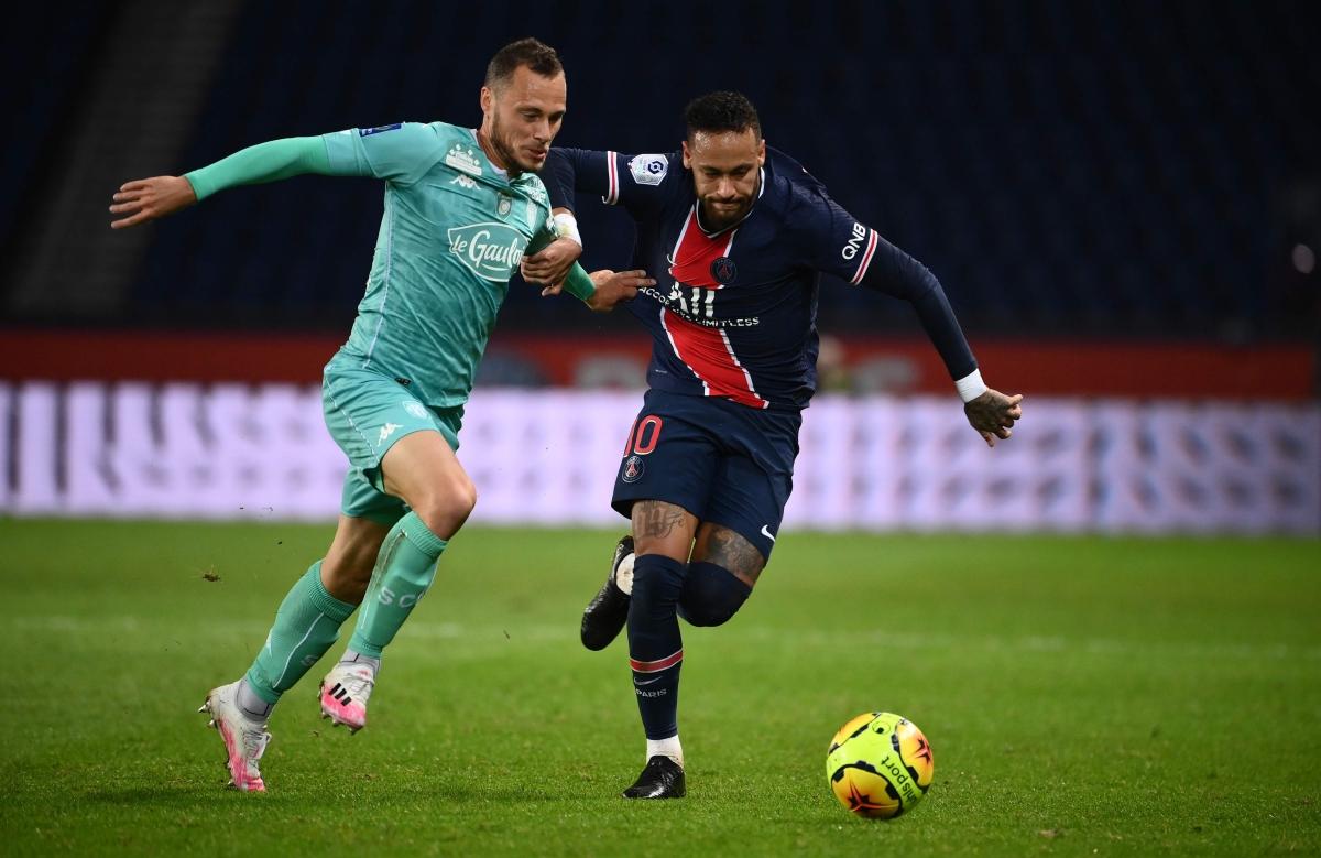 Neymar scores twice in PSG's victory