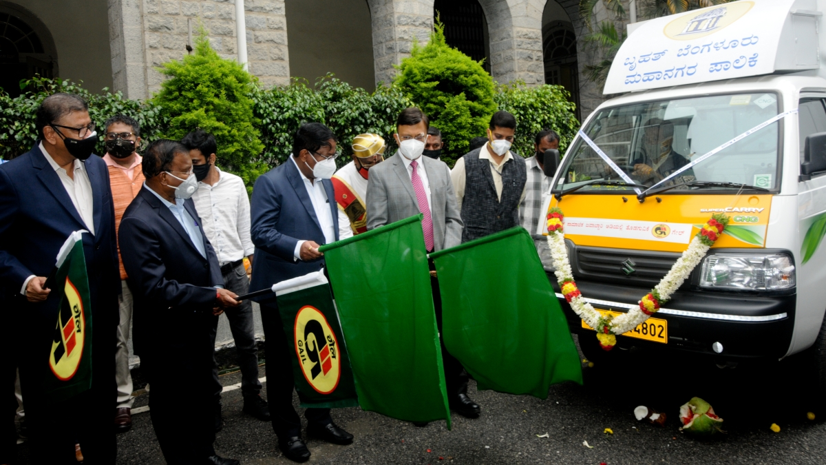 GAIL provides 18 CNG vehicles for waste collection to Bengaluru municipality