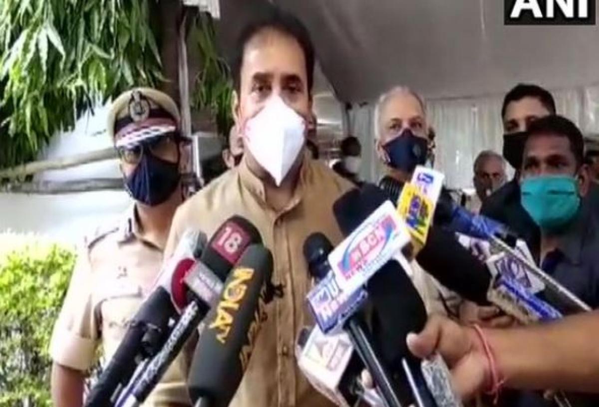 Man who abused Maha Home Minister Anil Deshmukh, Gandhiji gets bail