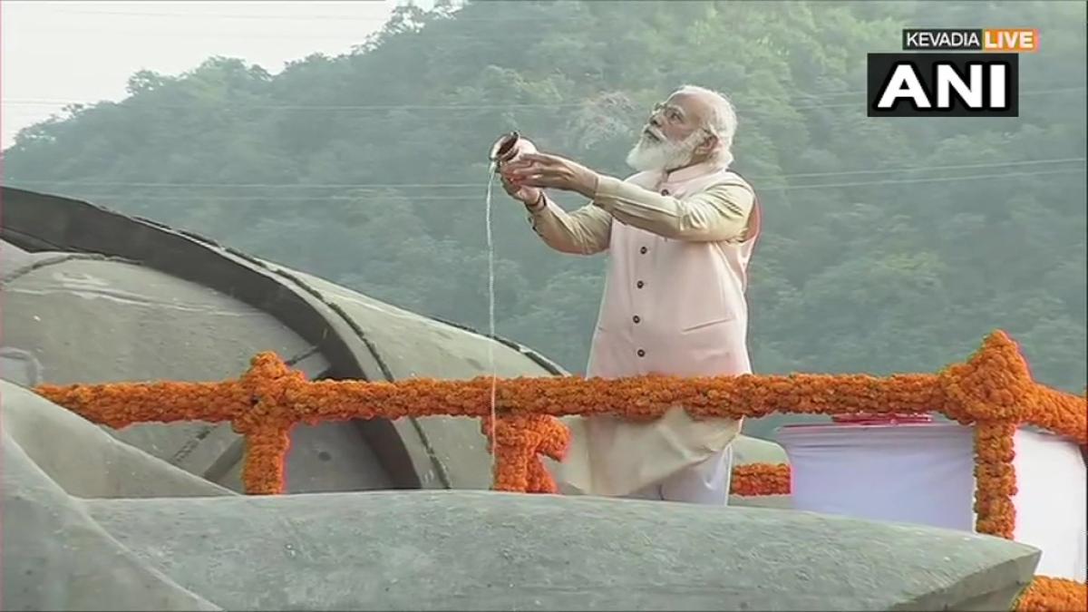 PM Modi paid tribute to Sardar Vallabhbhai Patel at the Statue of Unity on his birth anniversary