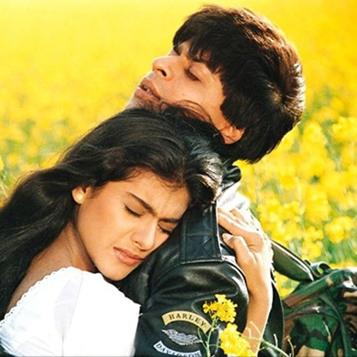25 Years of DDLJ: Shah Rukh Khan-Kajol's statue to be unveiled at London's 'Scenes in the Square'